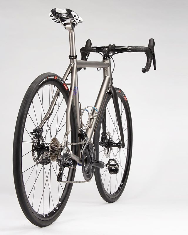Titanium Road // Thru-Axle Disc | bicycles | Pinterest | Bicycling ...