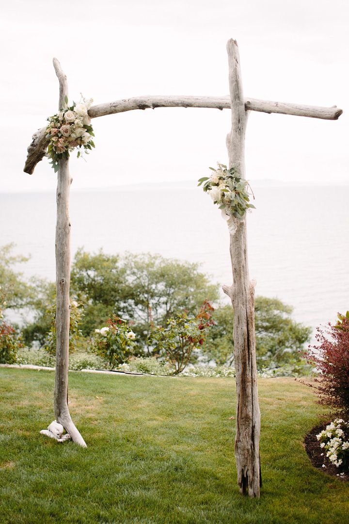 Wedding arbor for beachwedding | fabmood.com #weddingceremony #weddingarbor