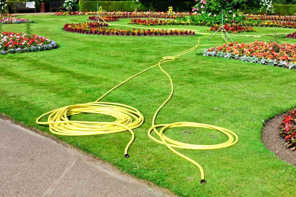 Best Lawn Care Tips and Lawn Maintenance Tips for Your Garden is part of lawn Maintenance Home - Keep your lawn looking great all season with this the best lawn care tips and lawn maintenance tips for your garden, then the information