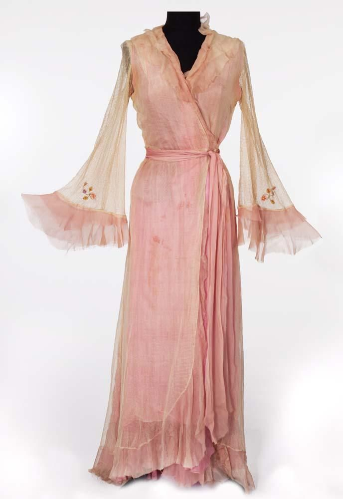 """ec81bf6e7c2ce Vivien Leigh """"Blanche DuBois"""" ivory and pink chiffon robe from A Streetcar  Named Desire"""