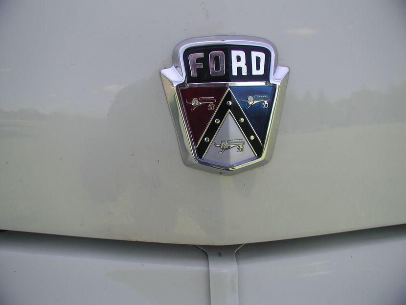 Rare Glass Top 1954 Ford Crestline Skyliner In 2020 1954 Ford Ford Crestline