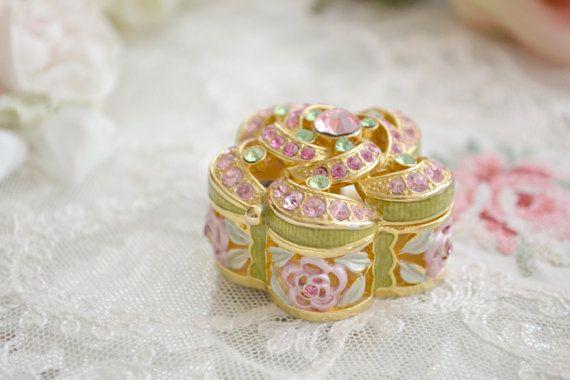 Beautiful Little Vintage Rhinestone Rose Ring Box by Jenneliserose, $15.00