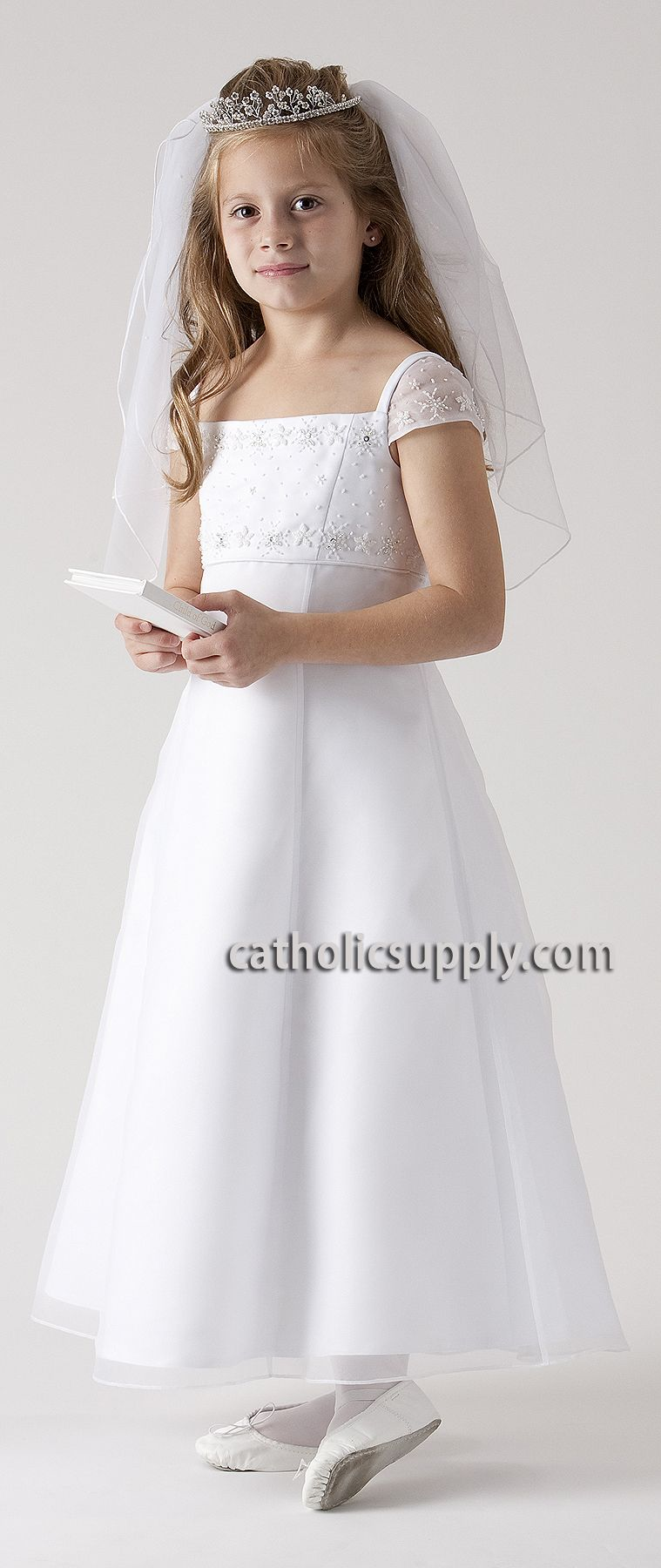 a212a0e0236f6 A-line | 1st Holy Communion Dresses | Girls communion dresses, First ...