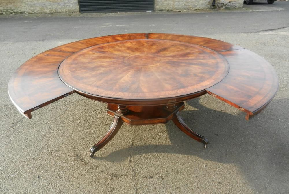8ft Round Table