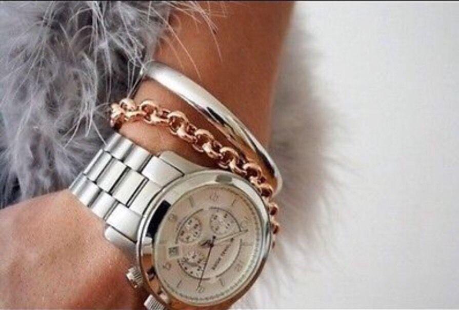 Nya Michael Kors MK8086 Oversized Runway Silver tonen Unisex Watch Med MK  rutan !!! 691464227159  0ddc6af8e2