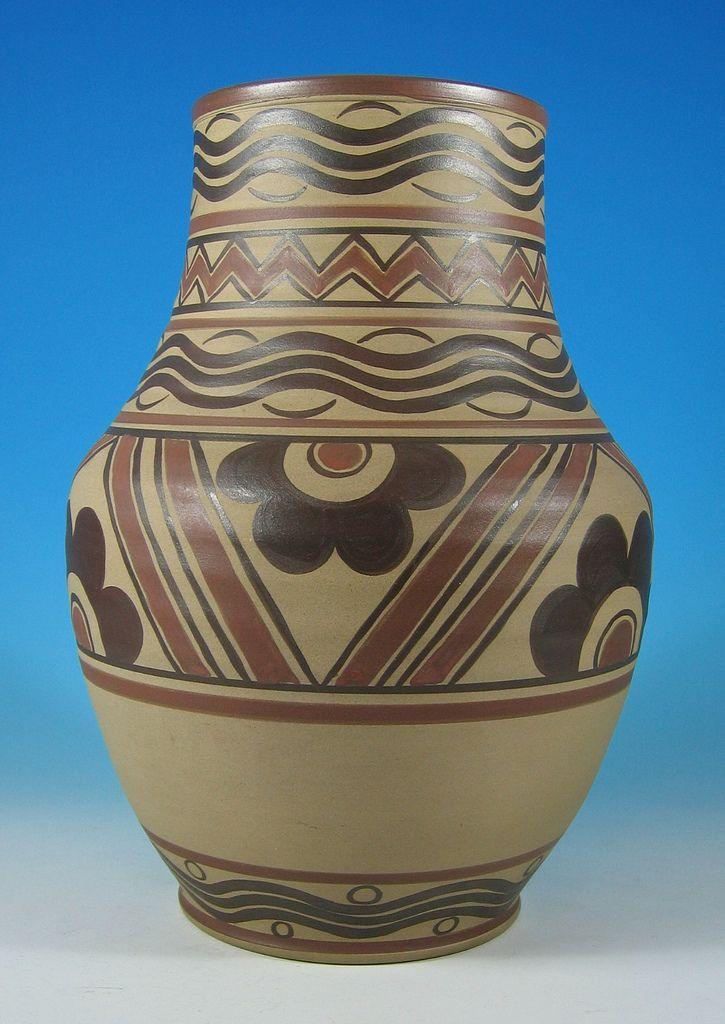 Poole Pottery Vase 1920s30s 125 Pottery Vase And Pottery
