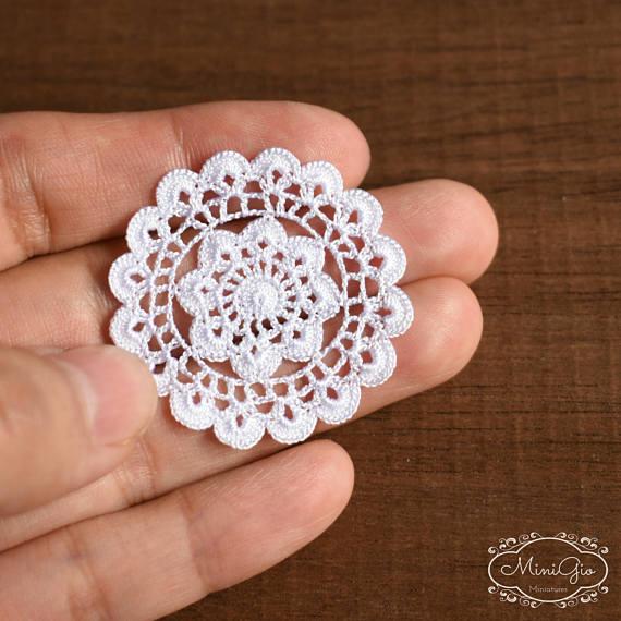 Dollhouse round doily 1.4 inches, 1:12 crochet miniature decor ...