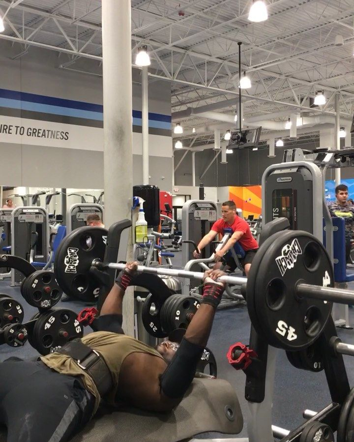 Got a new 225 pr! 16  reps! Didnt touch chest much to prevent a bounce! I almost had 17 but failed s...