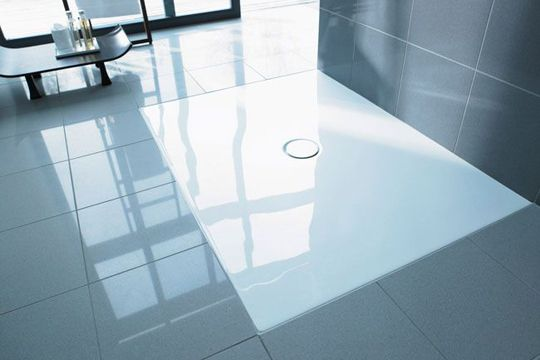 Et toujours  Une douche design à fleur de sol salle de bain