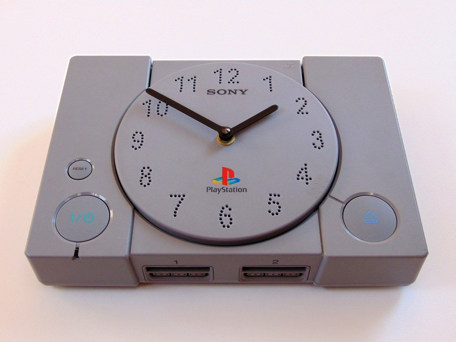 Playstation 1 classic console clock - gamer room decor - playstation retro video game gift - gamer table gift - ps classic gamer gift #gamerroom
