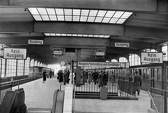 Great Berlin S Bahnhof Zoologischer Garten innenansicht