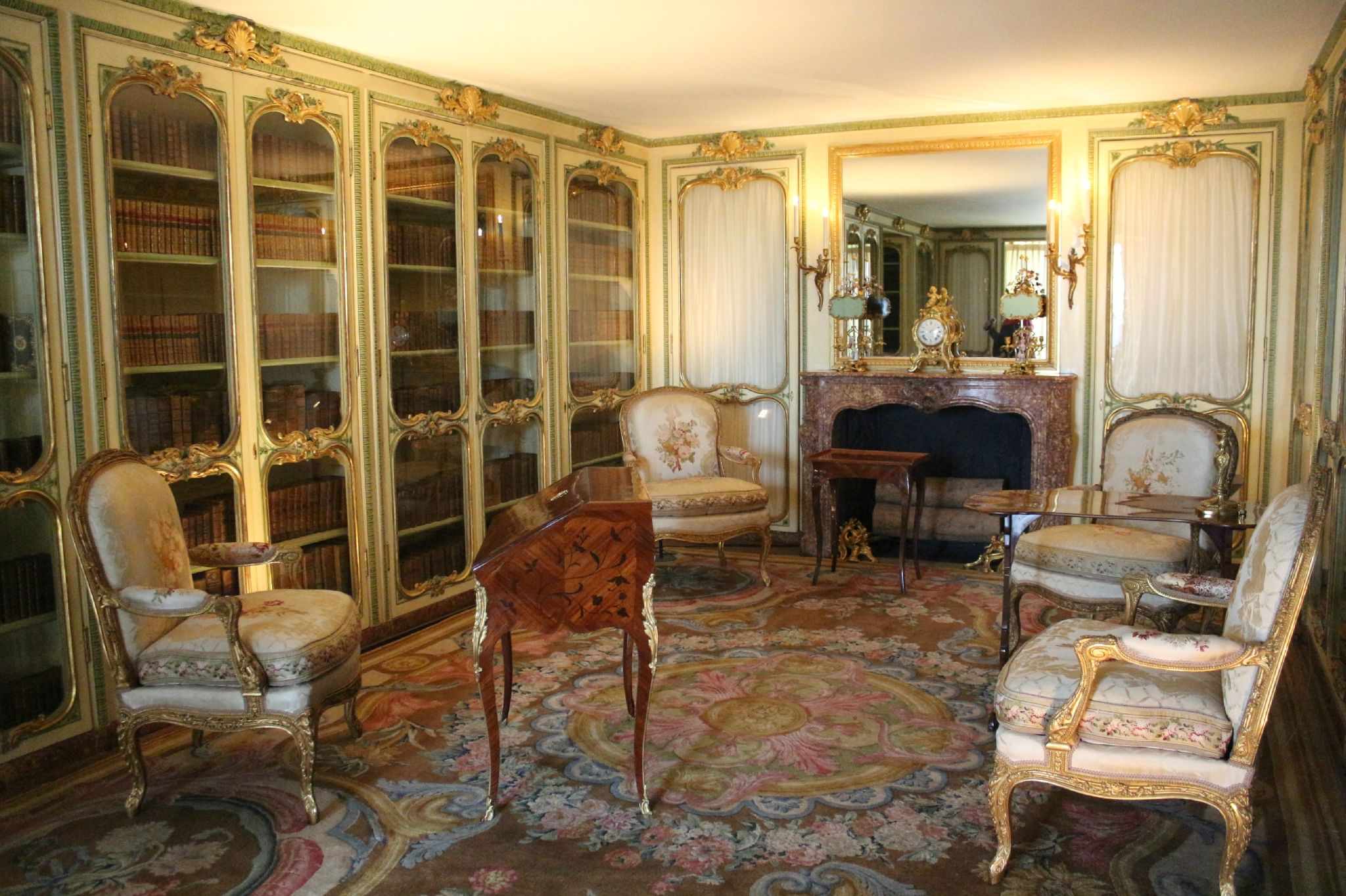 La biblioth que de madame victoire sister of louis xv at for Chateau de versailles interieur