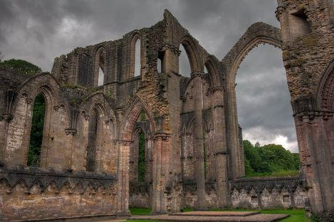 A striking landscape was created around the ruins of the Cistercian Fountains Abbey and Fountains Hall Castle, in Yorkshire. The 18th-century landscaping, gardens and canal, the 19th-century plantations and vistas, and the neo-Gothic castle of Studley Royal Park, make this an outstanding site.
