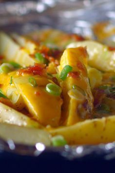 Photo of Loaded Foil-Pack Steak Fries â Top wedges of Yukon gold potatoes with shr –  Lo…