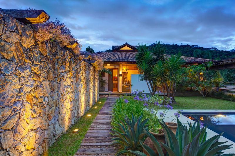 gartengestaltung mit steinen mauer gartenweg platten tropische - gartengestaltung mit steinen und pflanzen