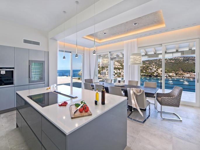 $12.6m Best location in the harbour Engel & Völkers Property Details | W-01YUI5 - ( Spain, Mallorca, Andratx, Port Andratx )  Ultra Primus