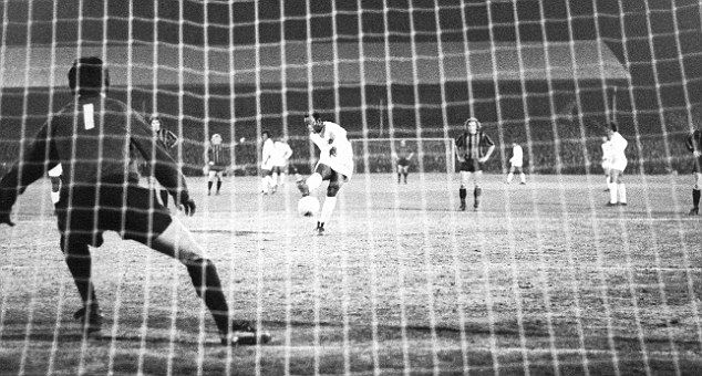 Pele scores from the penalty spot | Plymouth argyle, Plymouth ...