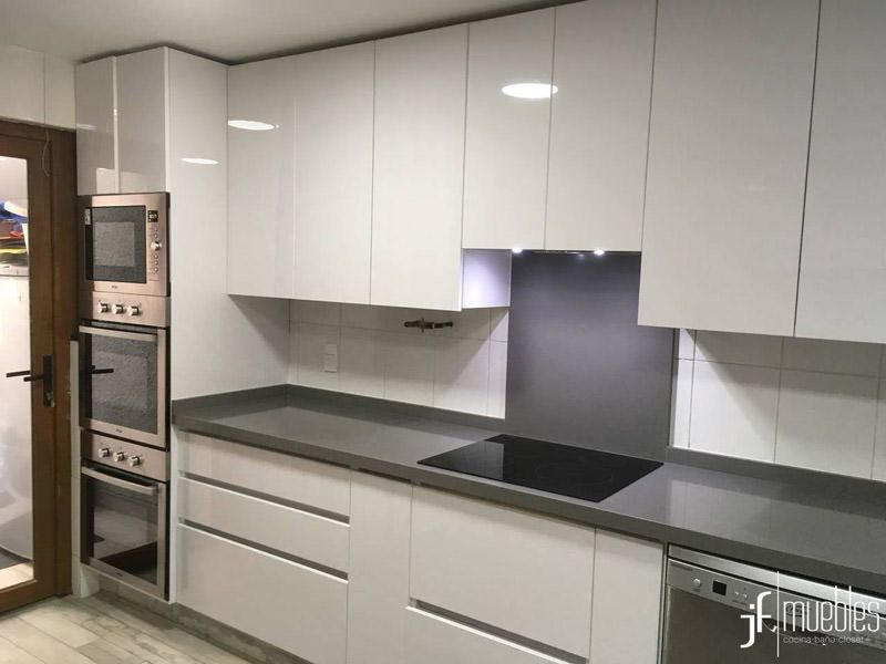Muebles de cocina a medida | JF Muebles | Muebles de Cocina, Walk-In ...