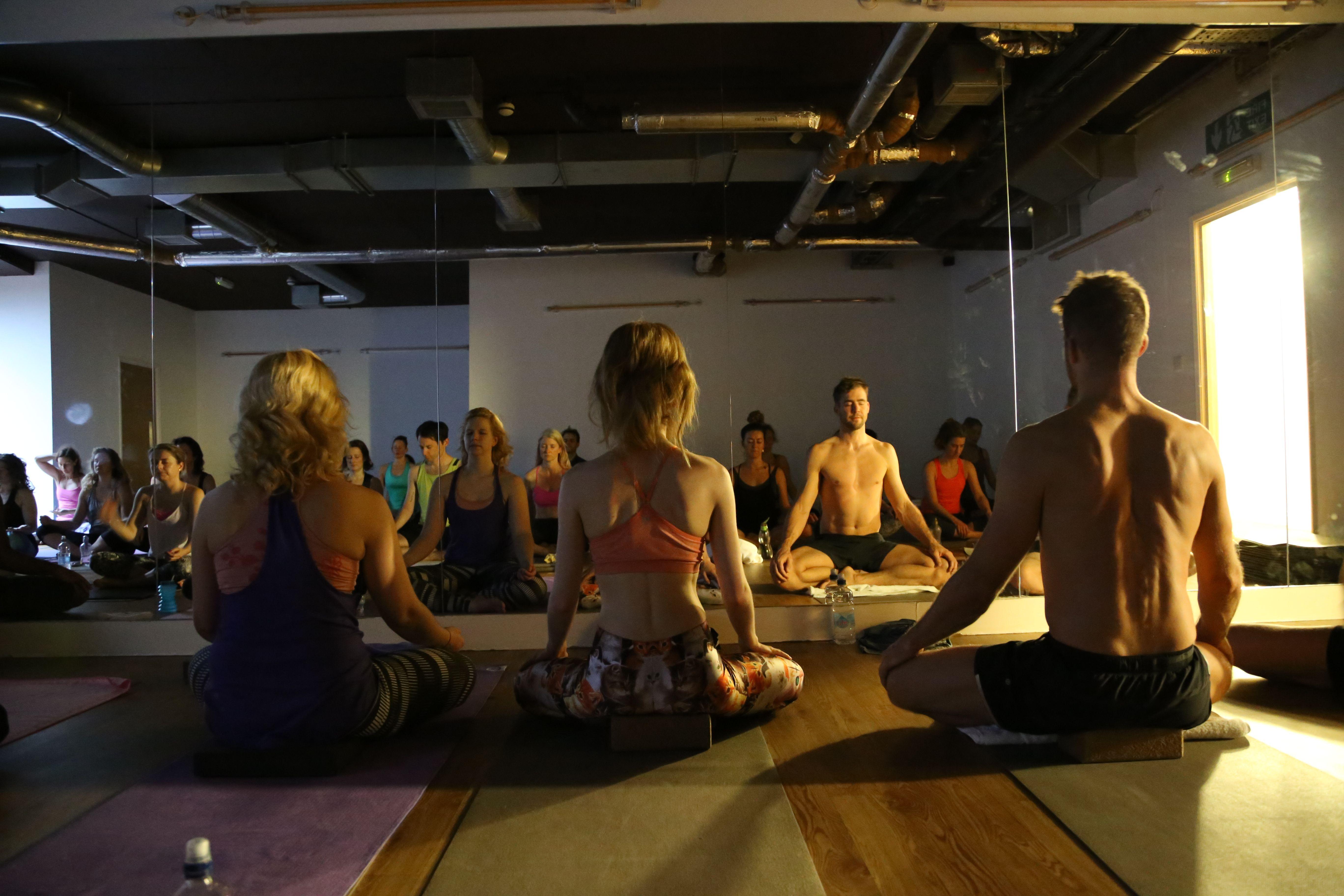 Meditation During Jivamukti Masterclasses With Mortiz Ulrich At Yogahaven Clapham Clapham Yoga Wrestling