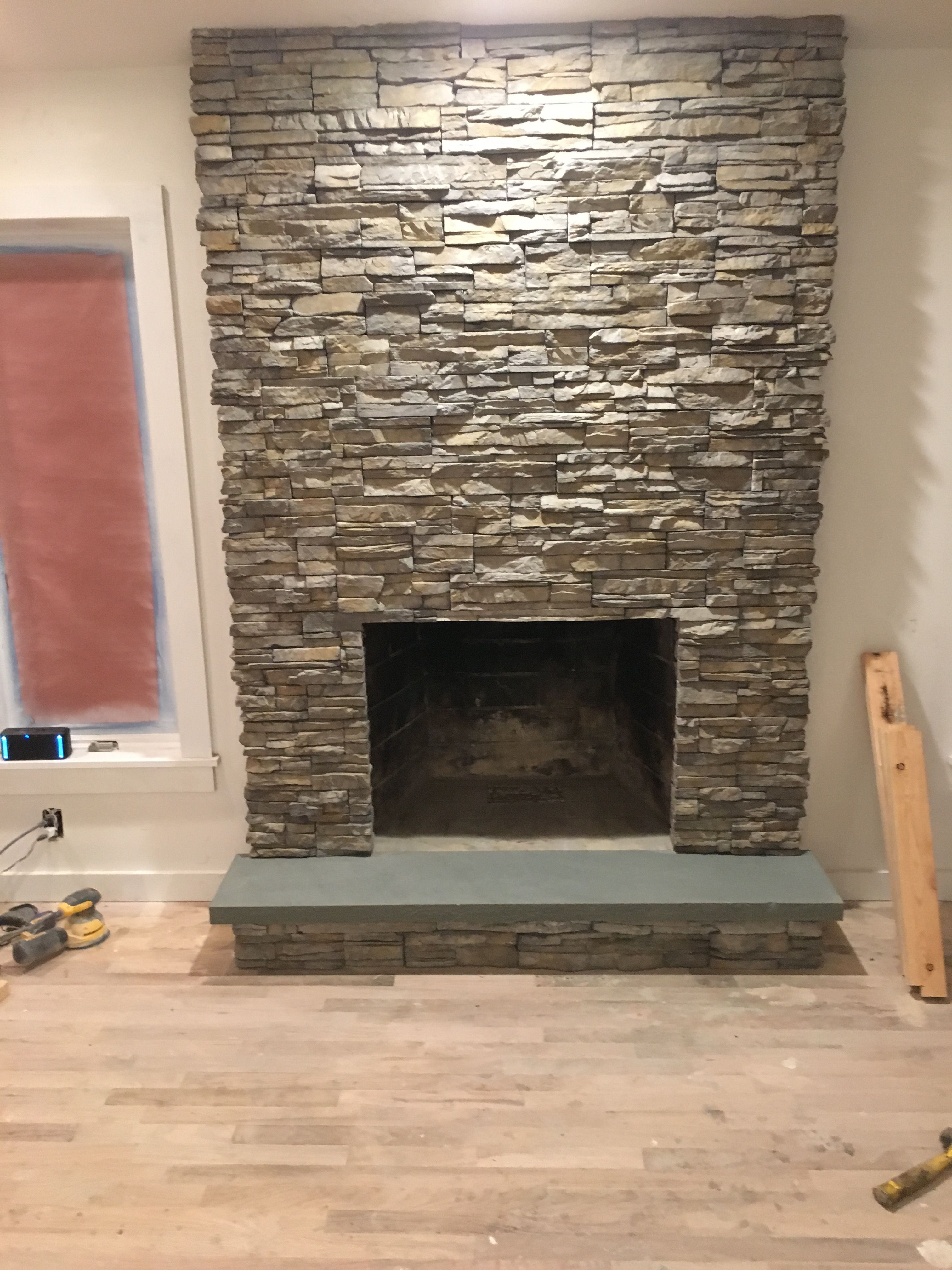 Fireplace Finished Eldorado Stone In Nantucket Eldorado Stone Stacked Stone Fireplaces Stone Fireplace