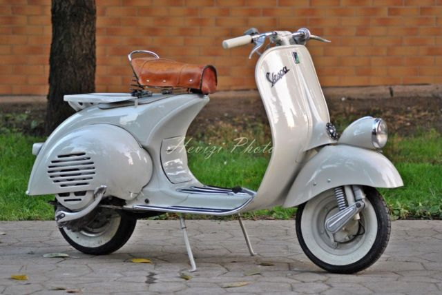 vespa faro basso 1956 vn2t top restauriert als roller. Black Bedroom Furniture Sets. Home Design Ideas