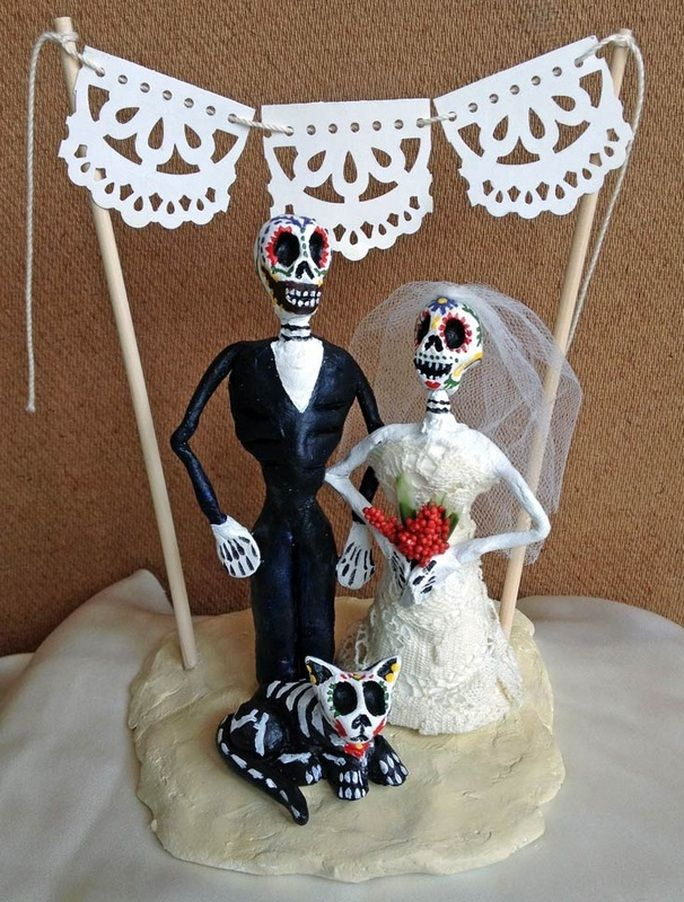 Dia de los muertos cake topper with a CAT!!! :) My fiance said it ...