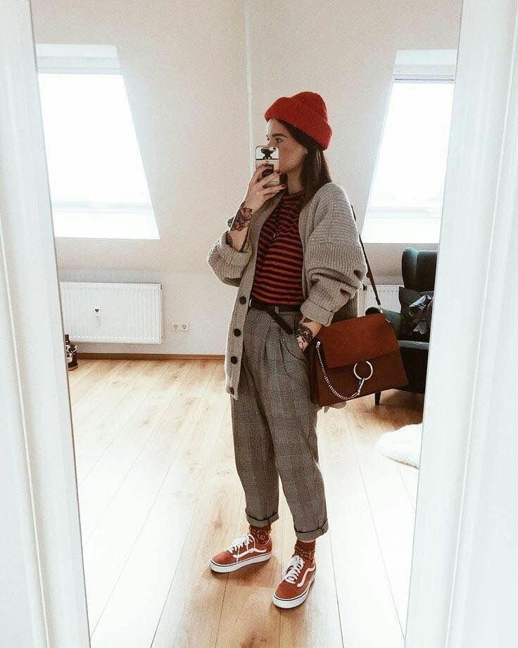 "Retro clothing on Instagram: ""#90fashion #90sstyle #90looks #90seralooks #90sbabes #vintage #grunge #grungetumblr #grungeaesthetic #aesthetic #aesthetictumblr #looks…"""