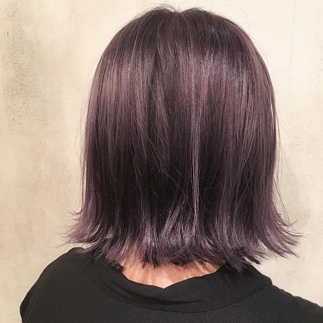 ラベンダーアッシュ ブリーチなしで暗めの髪色 ヘアカラー ダーク ピンク 髪 色 ヘアカラー バイオレット ヘアカラー