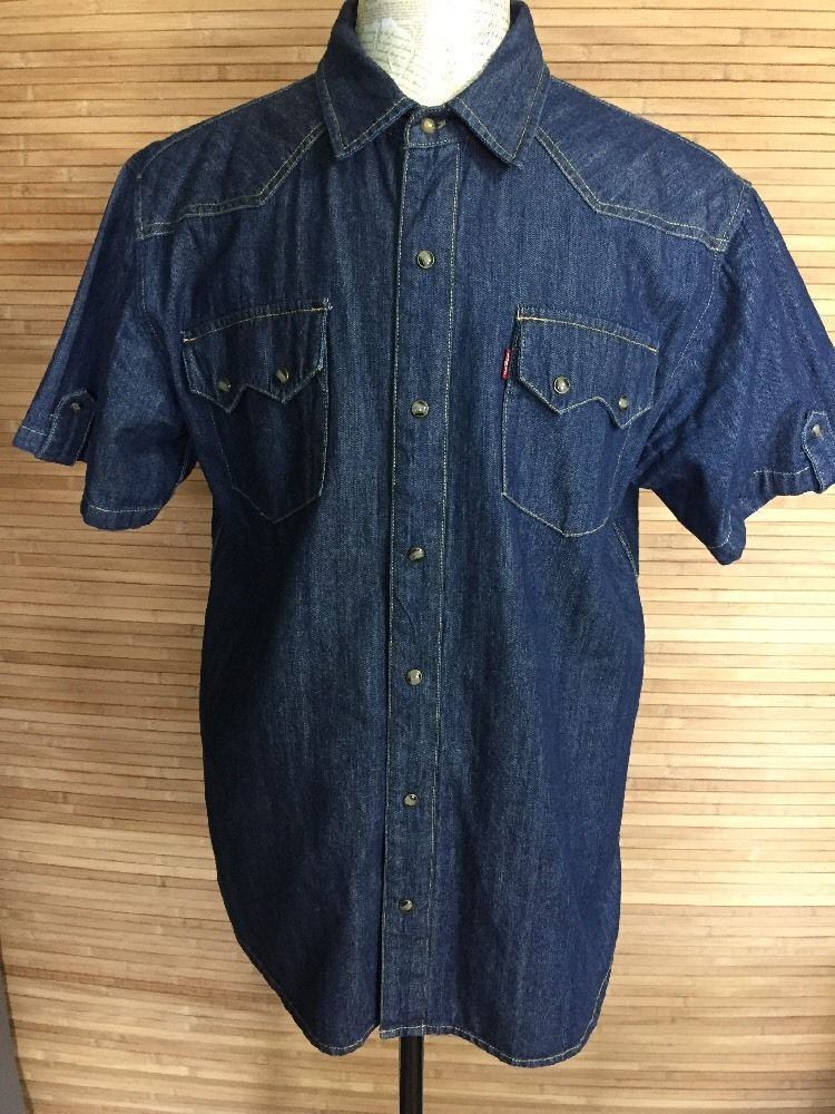 b97f117810a Levi s Pearl Snap Button Up Denim Shirt Sawtooth Pockets Short Sleeve Men s  XL  Levis  ButtonFront