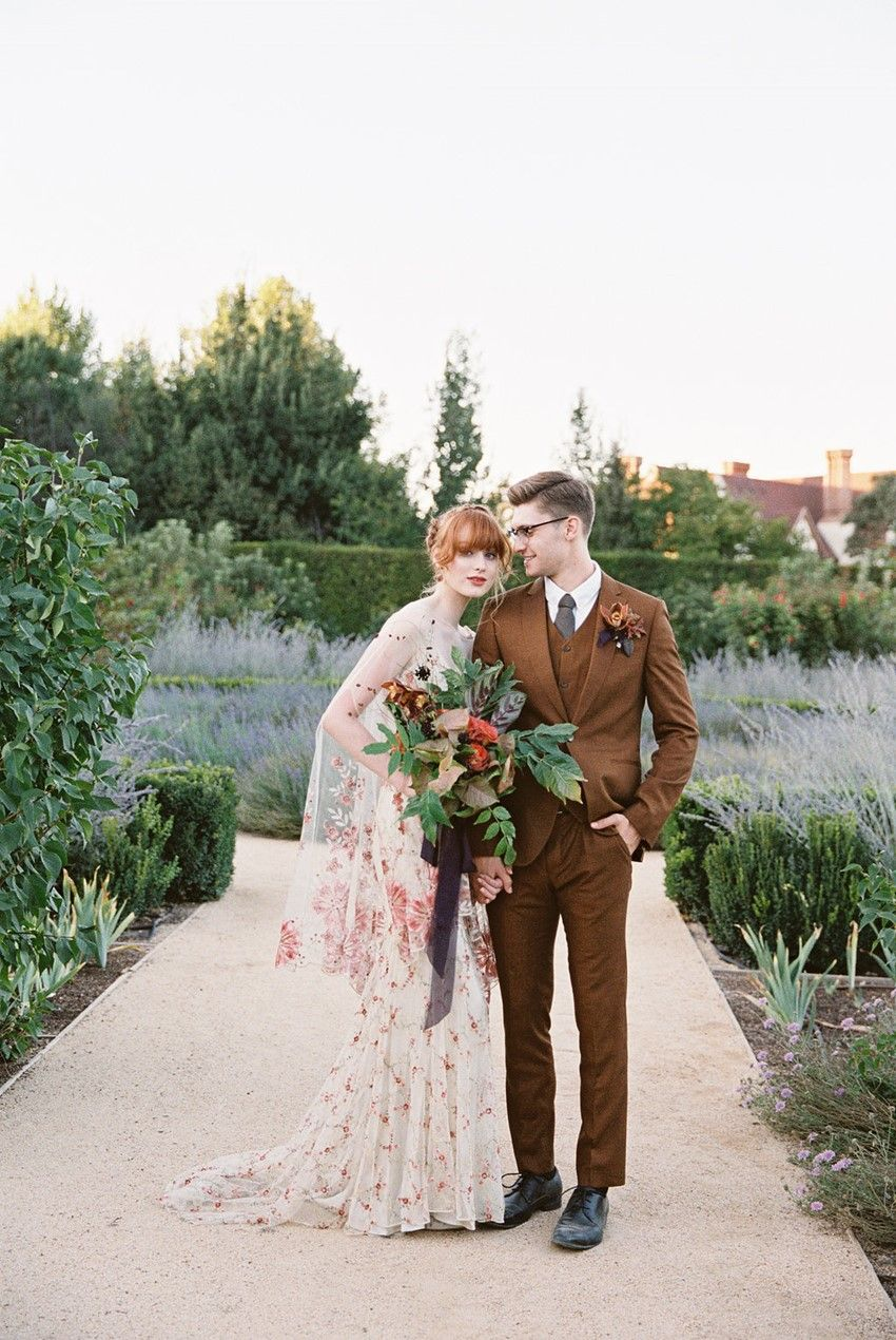 Romantic kestrel park wedding editorial in rich fall colours