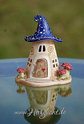 Windlicht keramik elfenhaus mit fliegenpilzen und blauem dach gartenkeramik - Keramik ideen ...