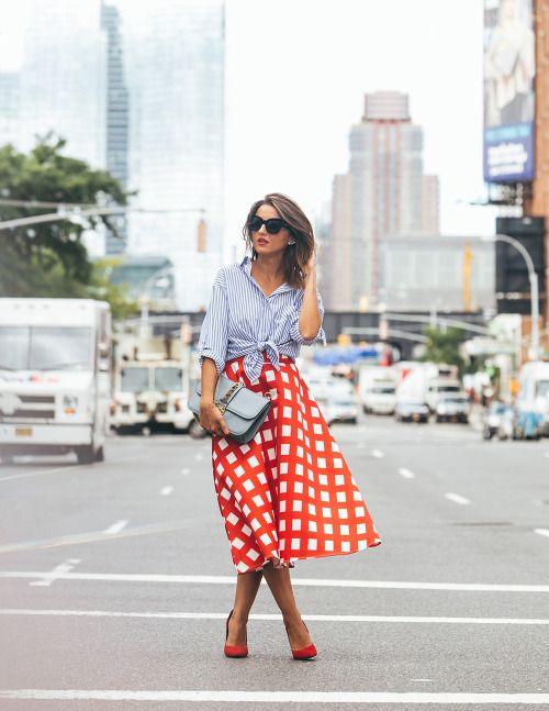 edacafa100 justthedesign: Try pairing a statement skirt with a striped...  justthedesign: Try pairing a statement skirt with a striped shirt for an all  round striking ...