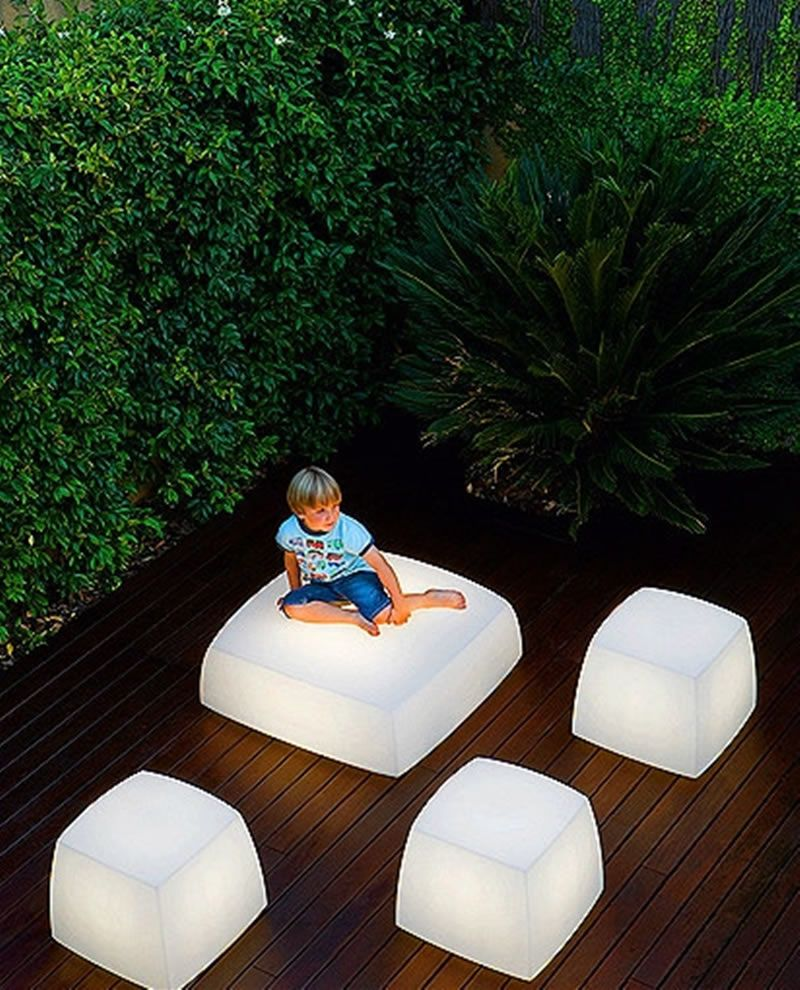 5 Unique Residential Landscape Lighting Design Ideas: Contemporary And Unique Light Seats Design For Outdoor And
