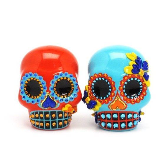 Ceramics Mexico Mexicans Honor Of The Dead For La Dia De Los Muertos Skull Skull Wedding Cakes Sugar Skull Art