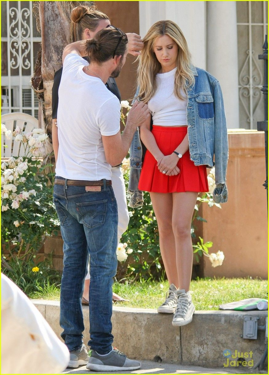 Ashley Tisdale Has 'Happy Tuesday' With Low Key Photo Shoot | ashley tisdale photoshoot hot yoga 01 - Photo