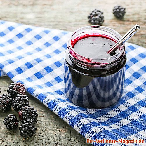 Low Carb Brombeer-Marmelade - Fruchtaufstrich-Rezept ohne Zucker