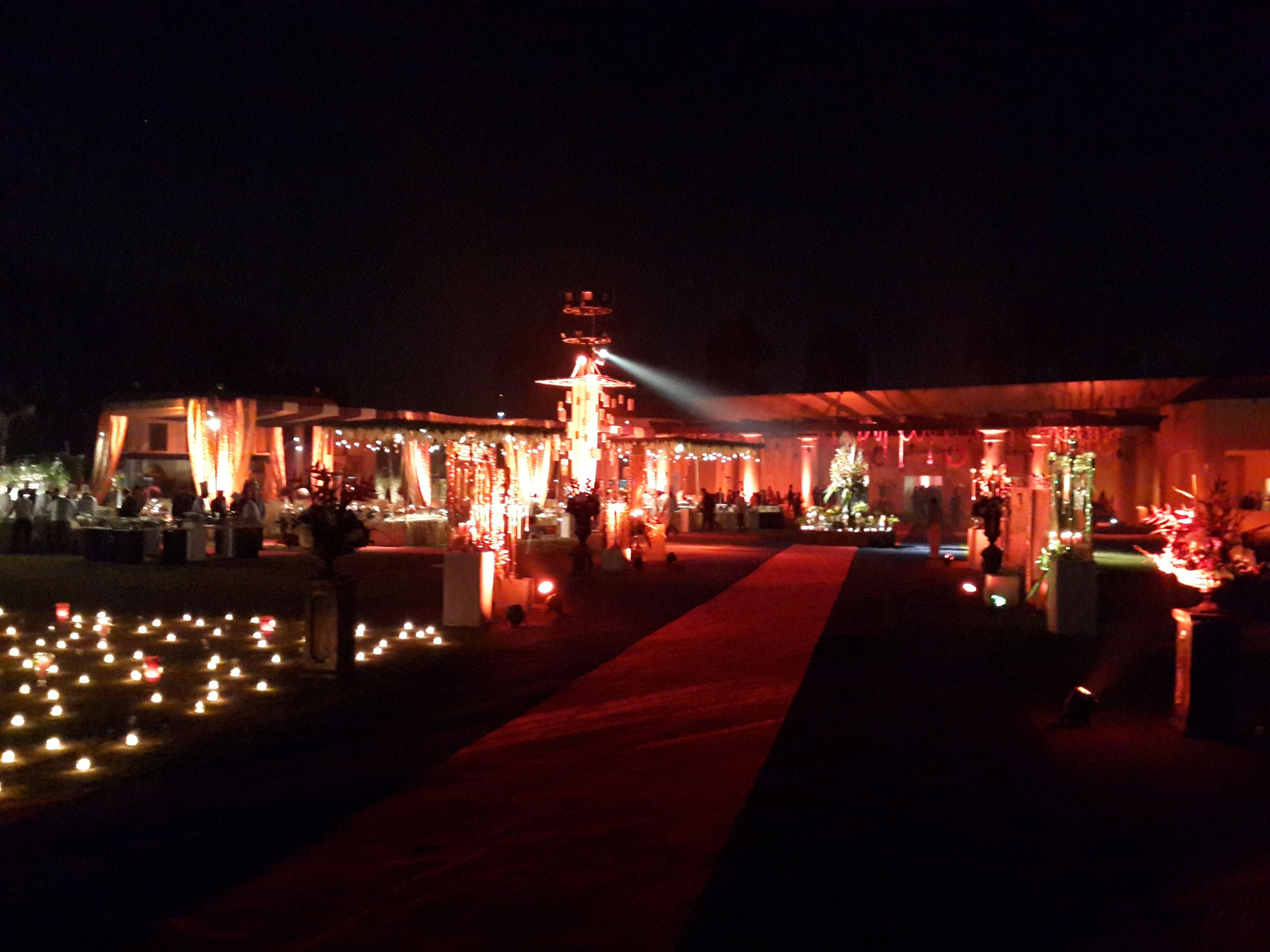 Lata Greens is a beautiful hub for extravagant weddings located on the picturesque M.G. Road, in Gurgaon, adjacent to Sultanpur Metro Station