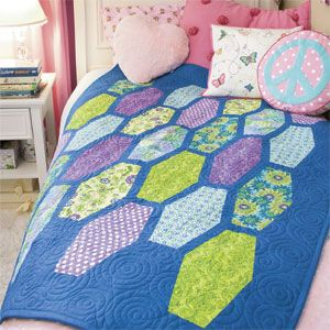 Tween Tumbler: FREE Bright Modern Honeycomb Twin Bed Quilt Pattern ... : tween quilts - Adamdwight.com