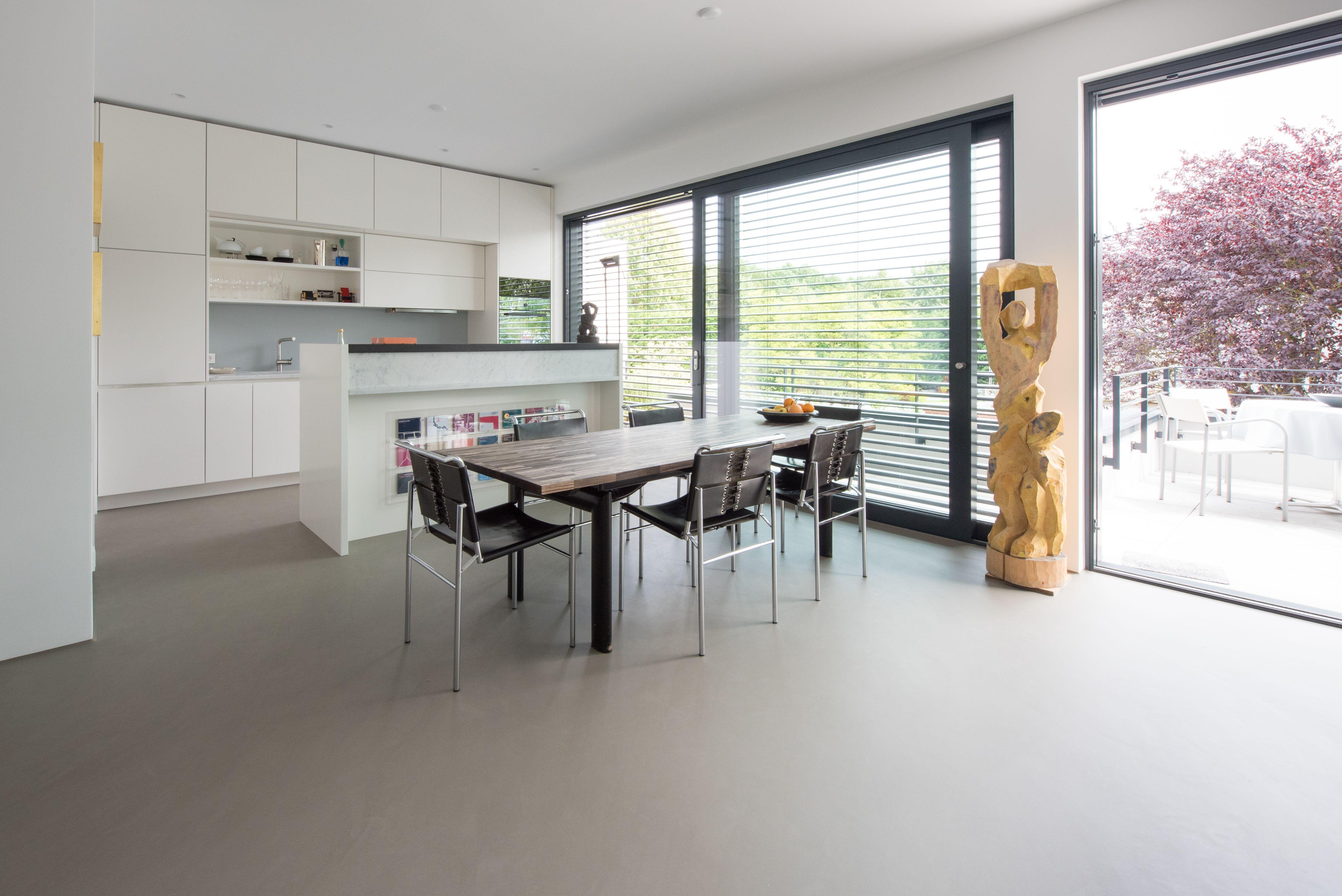 Urbaner Betonlook Zeitlos Schon Betonboden Wohnzimmer Fugenloser Boden Wohnung