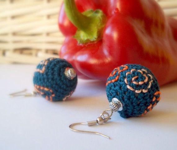 handmade corcheted earrings from ArigigiArt on Etsy