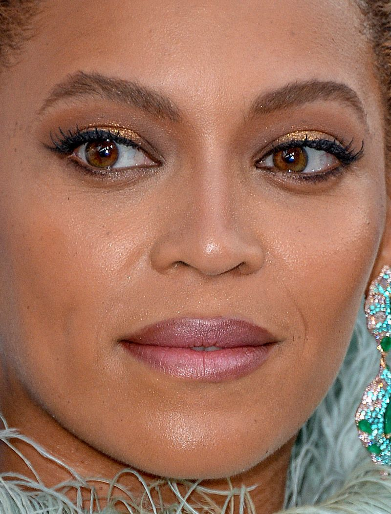 Beyoncé (With images) Celebrity makeup, Beyonce queen