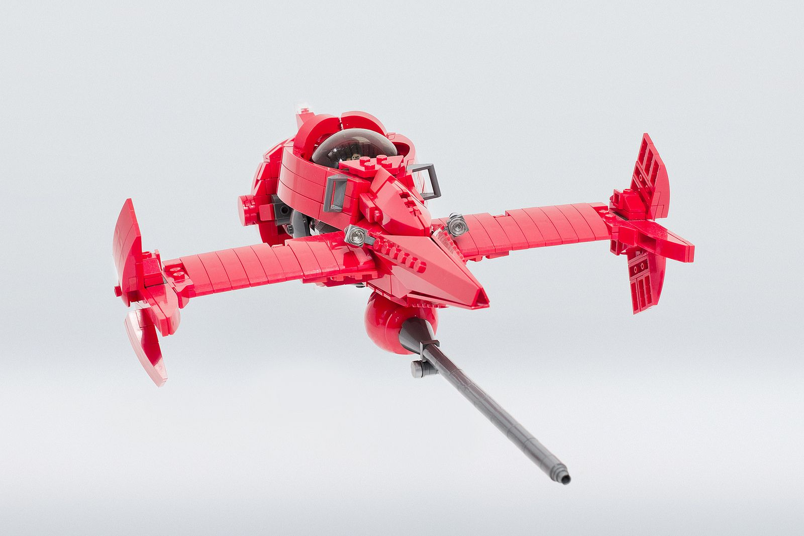 https://flic.kr/p/pEPpJN | Cowboy Bebop Swordfish II | Cowboy Bebop is still my favorite anime series and this is Spike's ship, the most iconic spacecraft! Big shout-out to Adrian Florea. I wouldn't be able to build this, without getting inspiration from his creation. Features: - foldable wings - movable plasma cannon - opening mechanism on the engine - landing gear