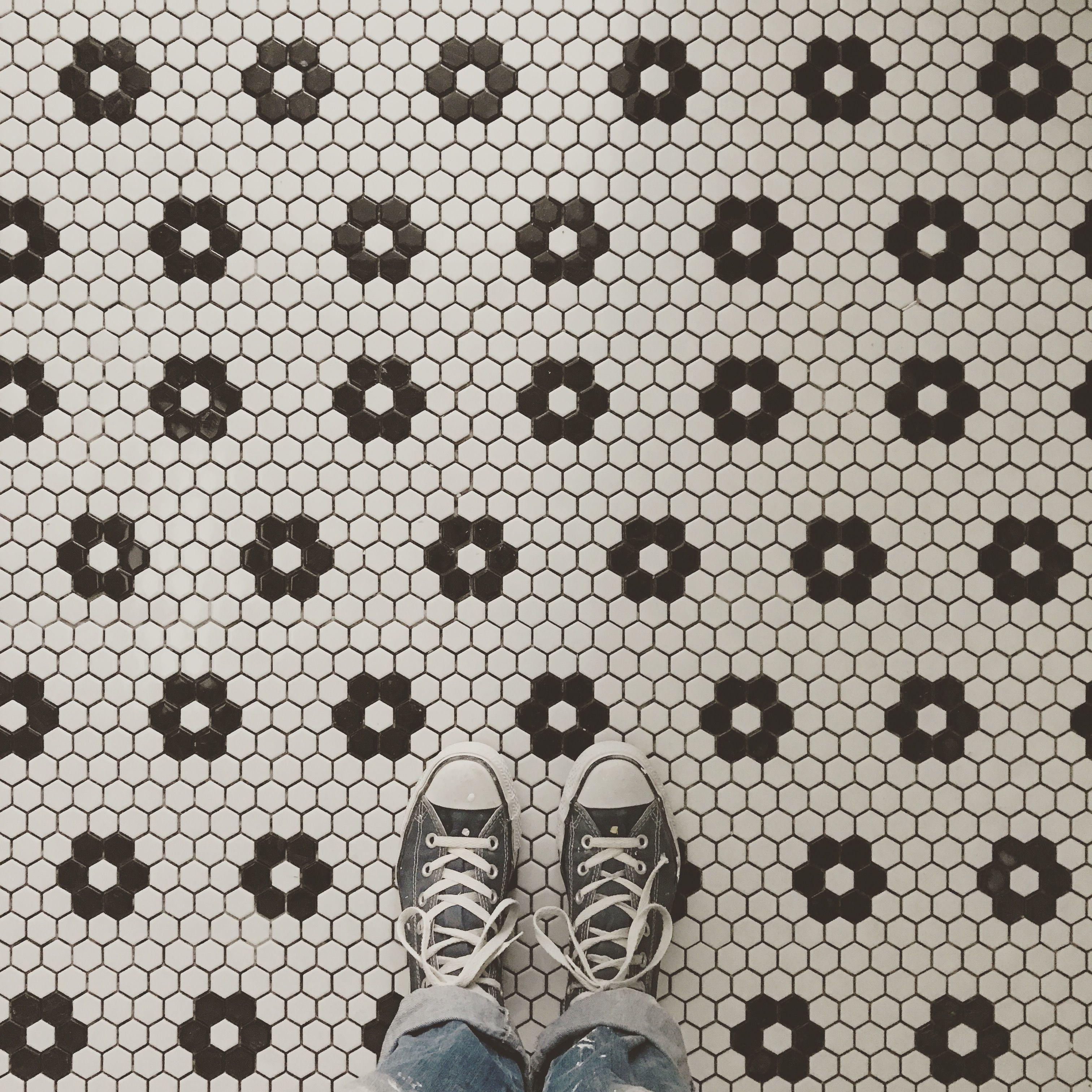 @les_penates_reims - Carrelage mosaïque hexagonale | Salle de douche, Carrelage mosaique ...
