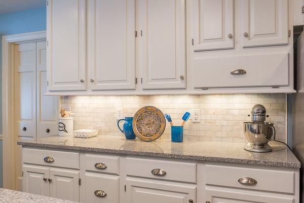 Luna Pearl Granite Countertop White Cabinets Under Cabinet Lighting