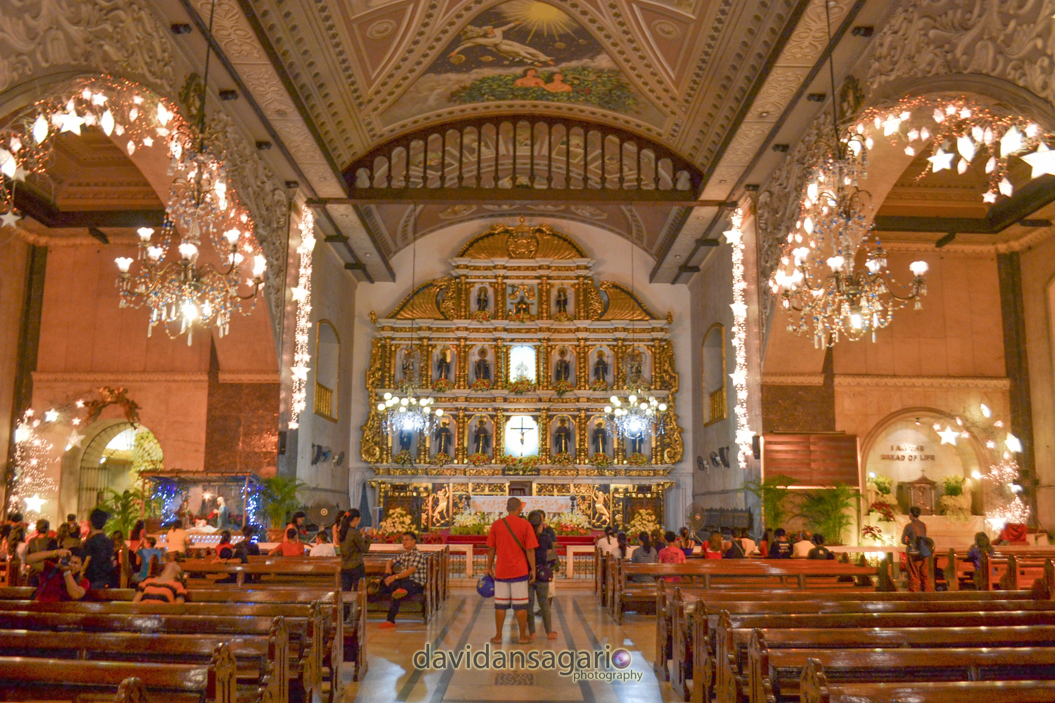 The Inside Of The Basilica Minore Del Sto Niño Cebu City Philippines It Houses The Miraculous Statue Of The Baby Jesus Peop Cebu City Roman Catholic Cebu