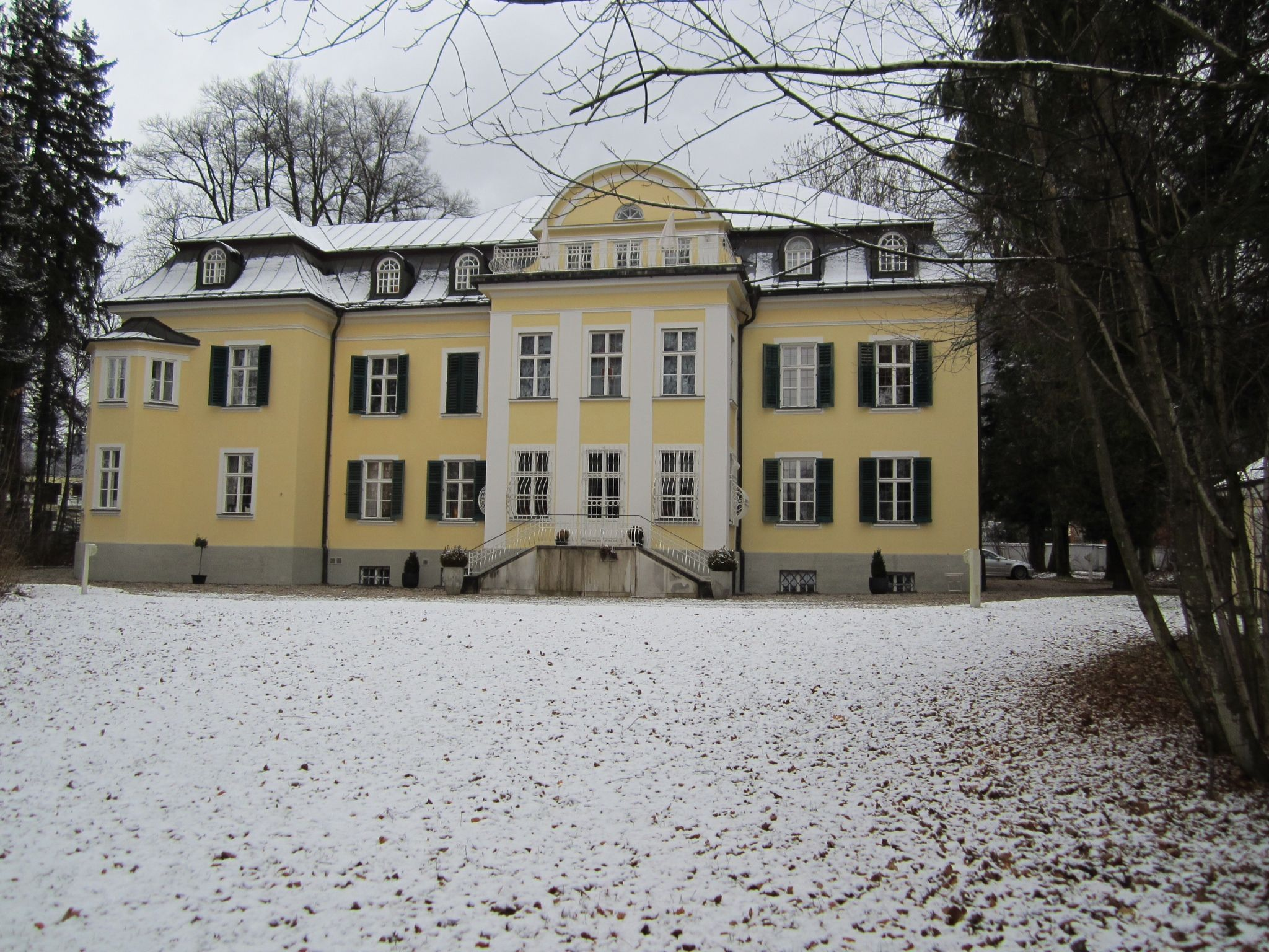 the real von trapp villa from sound of music stayed here for one rh pinterest co uk The Real Von Trapp Home in Austria the real von trapp family house in austria