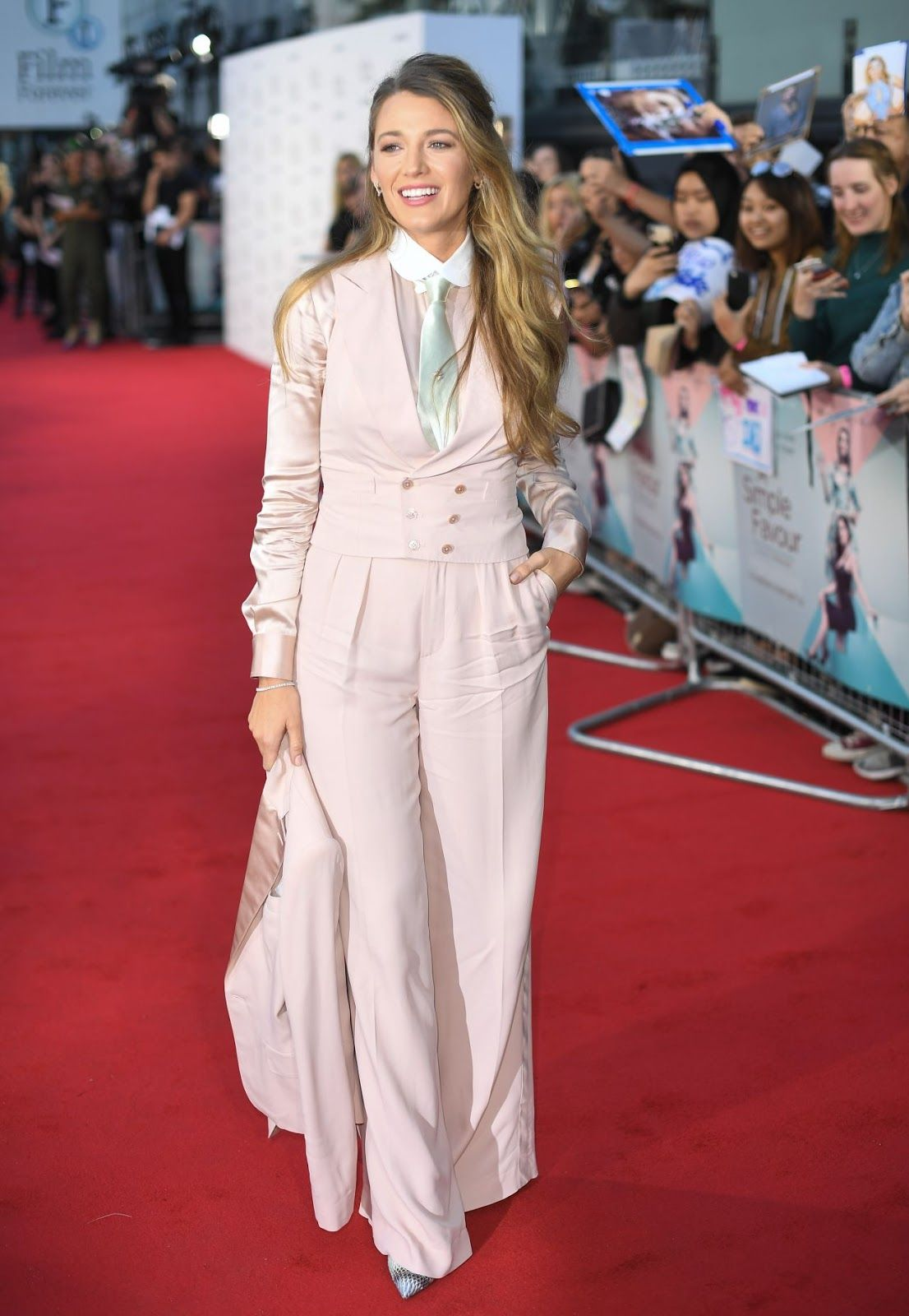f4d80ca06c98 Blake Lively A Simple Favour Premiere in London