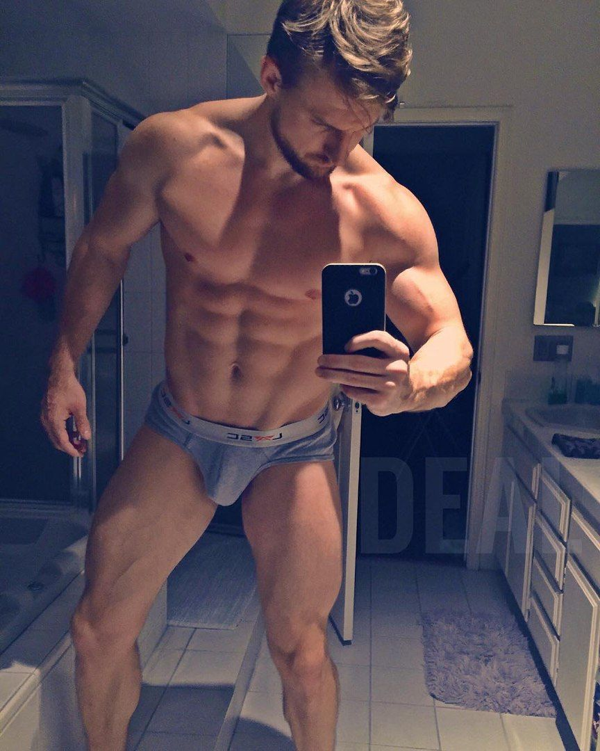 adult male nude pics