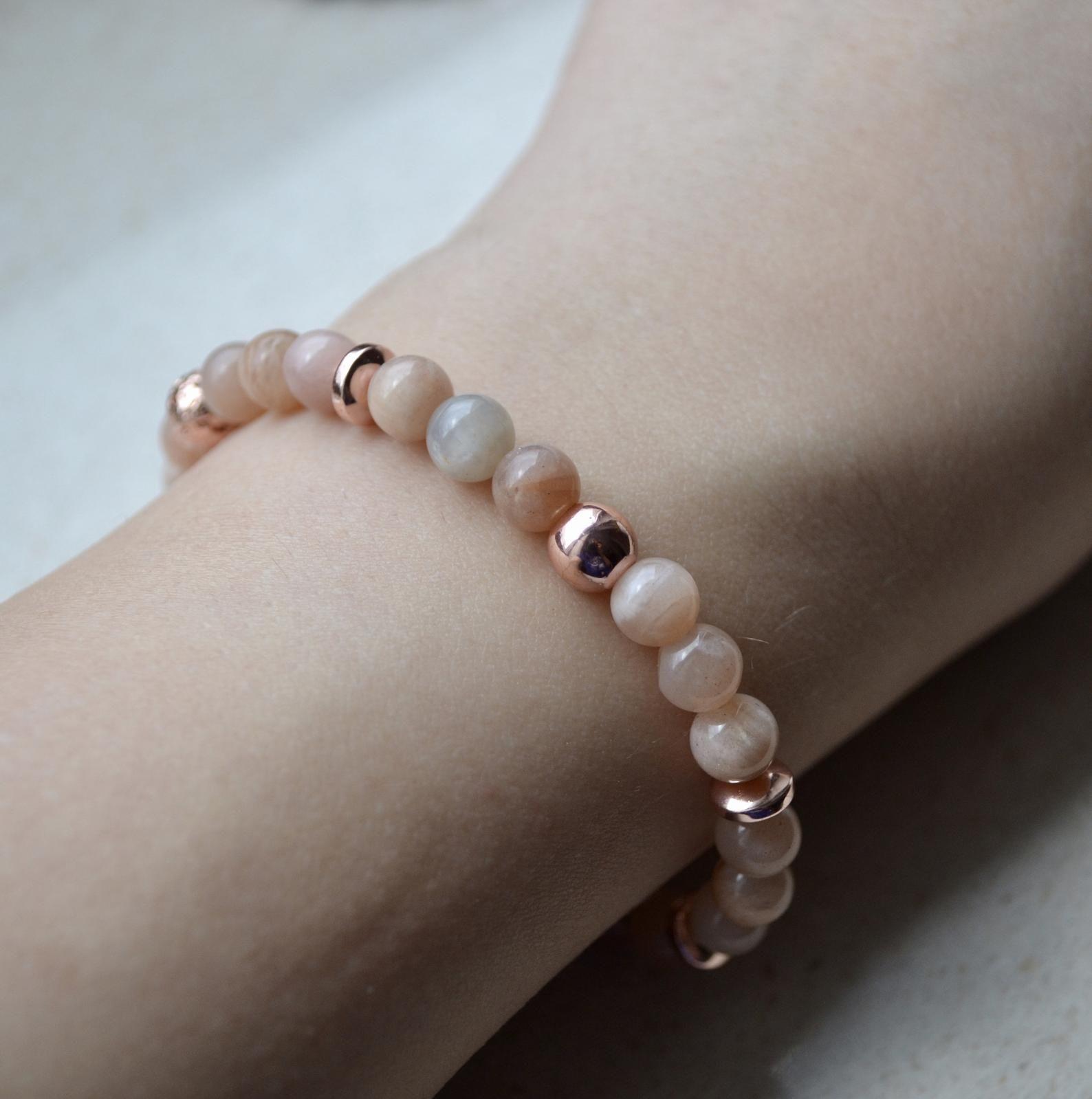 acheter populaire 0b16a a71d3 Dainty Sunstone bracelet - bracelet femme, Gemstone beaded ...