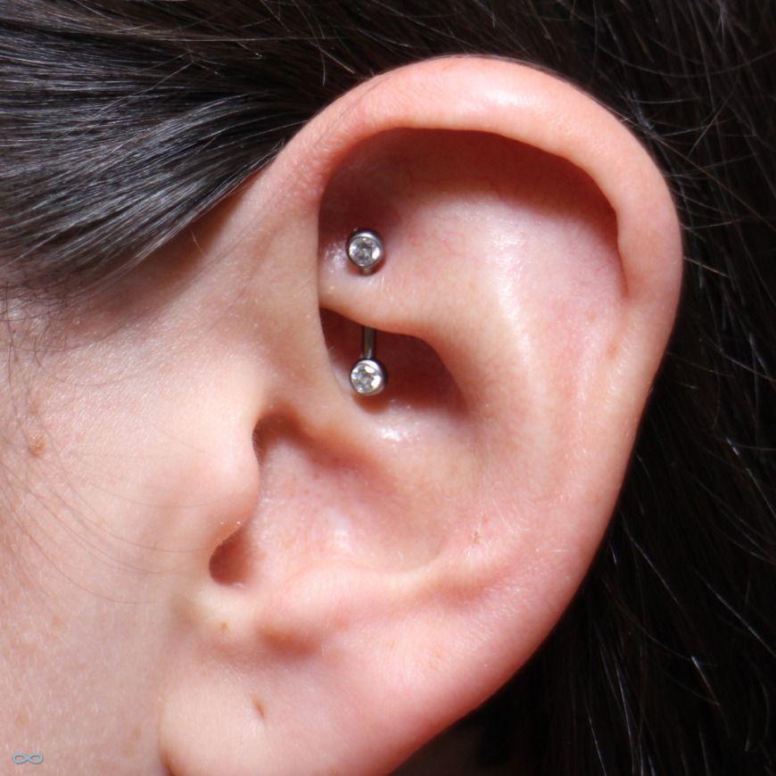 piercing rook piercings oreilles tragus h lix industriel pinterest piercings oreilles. Black Bedroom Furniture Sets. Home Design Ideas